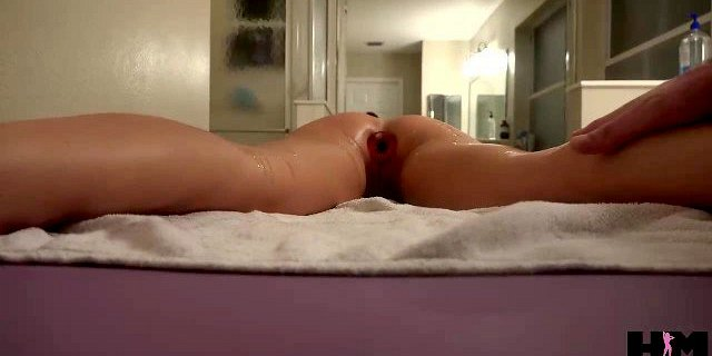 PETITE BRUNETTE MILF DOES ANAL FOR HER VERY FIRST TIME!
