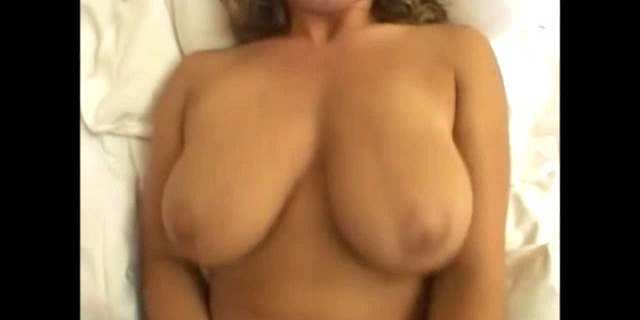 Pounding Pretty Pussies 1