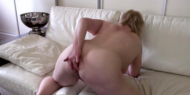 Real chubby granny with hungry anal hole