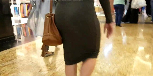 Candid milf pawg in dress!!