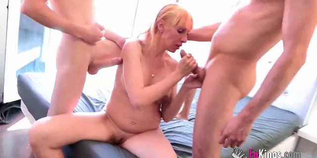 Pregnant cleaning lady licks clean Jordi and friends cocks