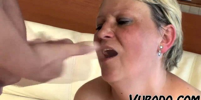 OLD, FAT LADY FUCKS WITH TEEN !!
