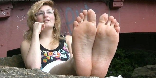 PIEDS - JANINE ,UGLY LUNETTE Francaise PIEDS preferes