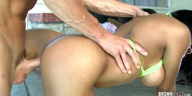 Samantha Hayes Begs for a Huge Load All Over Her Perfect Fee