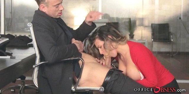 Big Tit Babe gives the Boss Head for a Raise