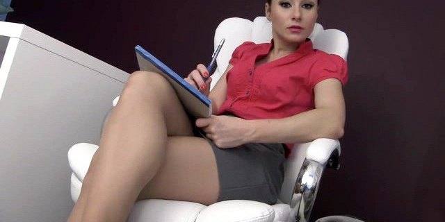 Feet in pantyhose therapy