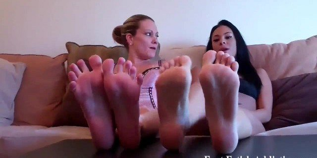 You would love to worship my feet wouldnt you
