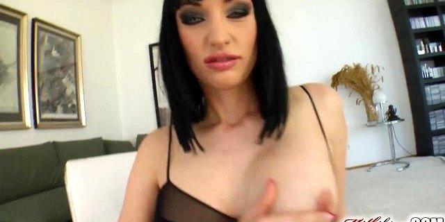 MILF Wendy plays dirty while