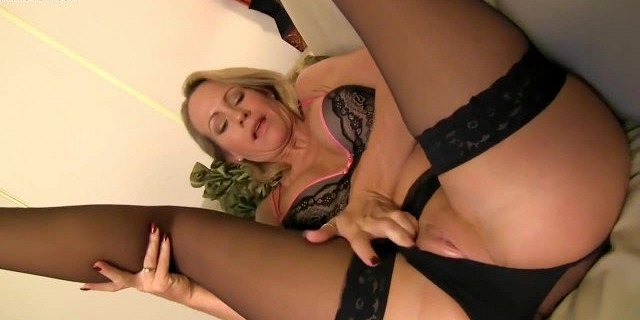 jerk off instructions from blonde