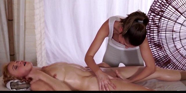 RELAXXXED - Erotic massage and lesbian pussy rubbing