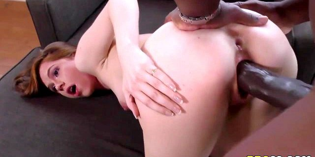 Pepper Hart Gets Stretched By Mandingo
