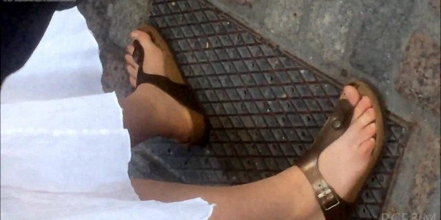 Foot fetish candid clips