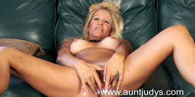 Blond milf housewife Yvette Williams shows you perky tits