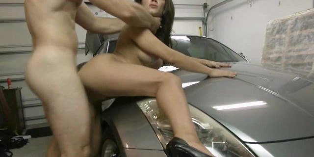 Mom gets fucked anal on the car