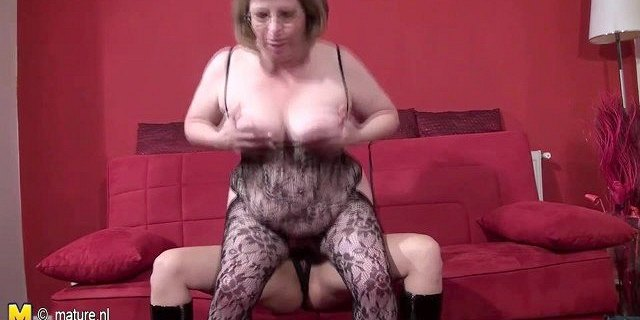 Young girl fucks mature lesbian with strapon