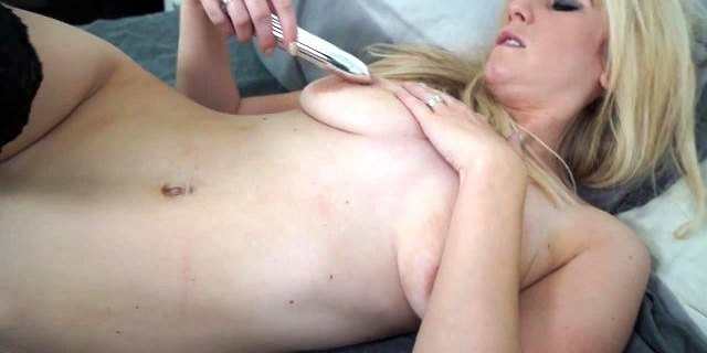 Sexy amateur MILF with small but saggy tits