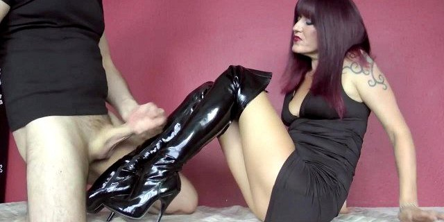 Bootjob with cum on leather fuckme boots