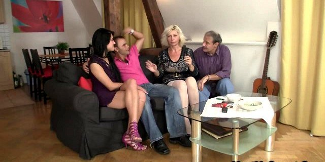 Sweetie gets lured into 3some by her BF