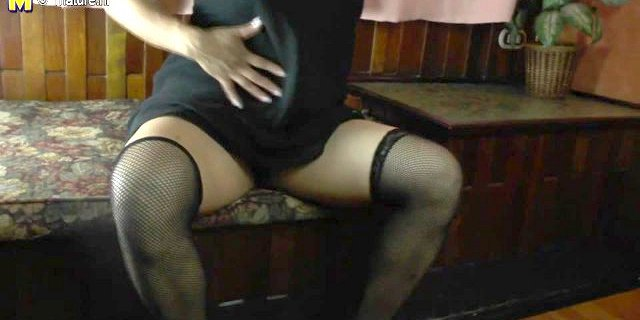 Spanish amateur mother with hairy cunt