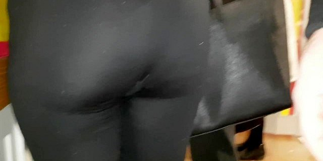 Candid Big round indian booty!! in leggings!!2
