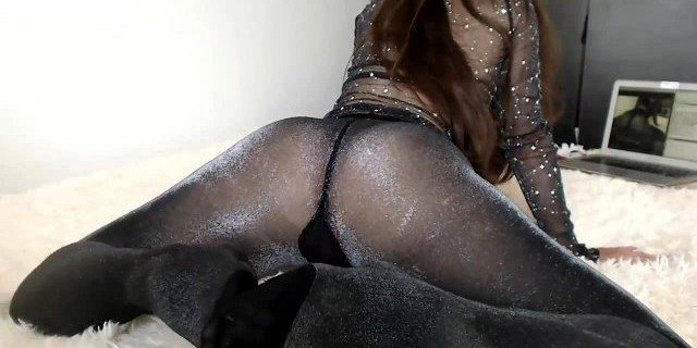 Ass in shiny pantyhose EP2