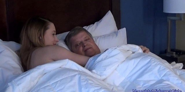 Lola Hunter - Babysitter wants old cock in the morning