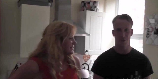 Foursome cunt drilling with blonde MILF and brunette slut