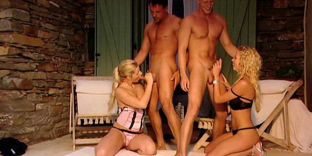 Sandra and Mia get used by men together