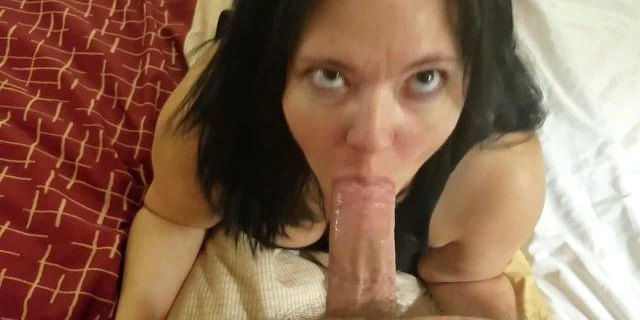 Amateur doggystyle and blowjob in hotel room