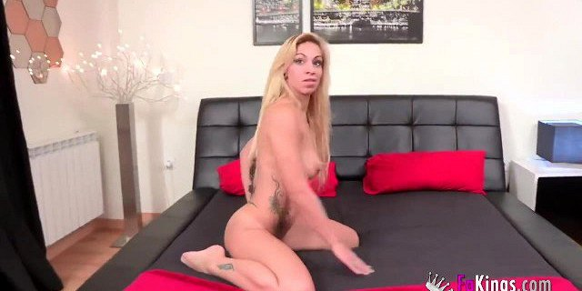 Amateur couple girlfriend riding my cock and face hotel