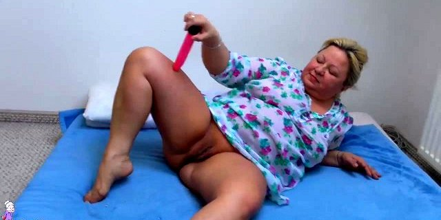 OldNanny Old Chubby woman masturbating her pussy with dildo