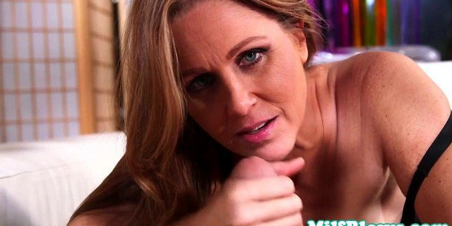 Allinternal Dolly Diore drizzles cum from her filled up