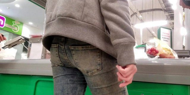 Young redhead MILF with round ass in jeans