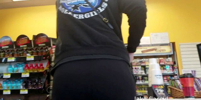 Tall Pawg In Gas Station Nashville