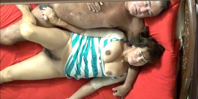 ASIAN WIFE PLAY THE GAME