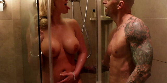 Phoenix Marie gets her ass fucked by a client