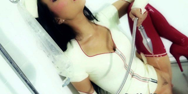 Asian amateur babe double penetrated and facialized