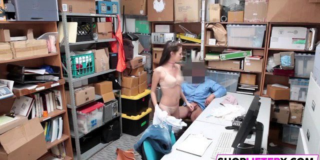 Cutie Carolina Takes Officers Dick For Theft