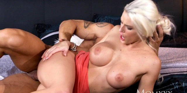 MOM Cock hungry blonde beauty gets creampie from her man