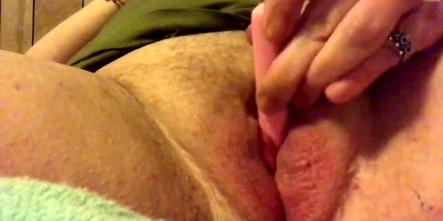 ANAL SQUIRT SOLO