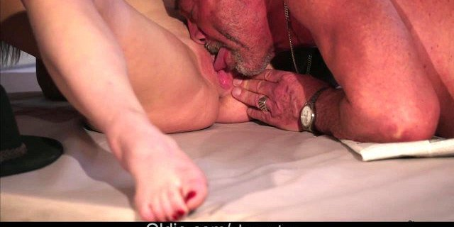 Old doctor fucking healing very wet pussy with high fever