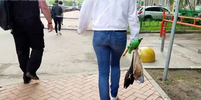 russian blondes wrigle ass in blue jeans 2