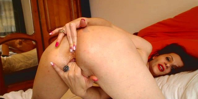 HUGE pussy milf spreading asshole
